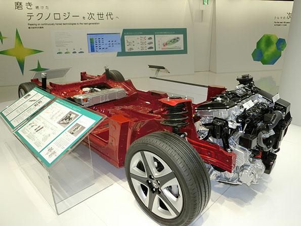 トヨタとマツダが共同開発する、...