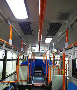 京王電鉄バス、路線バスの車内照明にLED照明を順次導入