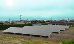 ソーラーフロンティア、狭い土地を活用できる非住宅向け太陽光発電パッケージ