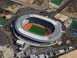 味の素スタジアムに、屋根と太陽光発電を両立するモジュールが導入