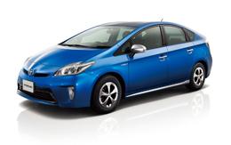 トヨタ、プリウスを改良、家電が使えるコンセントを追加