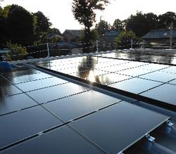 ローソンの太陽光発電システム、売電益が2か月で65,310円