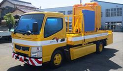 三菱ふそう、小型電気トラックの新型を発表 高速道路の維持管理用車両に