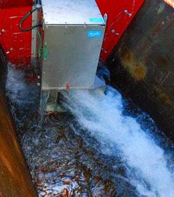 JR西日本、トンネルの湧き水排水路で小水力発電 実地試験を開始