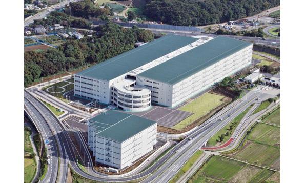 千葉県に国内最大級の屋根借り太陽光発電 物流施設屋上でメガソーラー