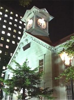 札幌市時計台、照明9割をLED化 消費電力7割削減
