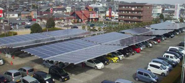 アウトレットの駐車場に「カーポート型」太陽光発電システム