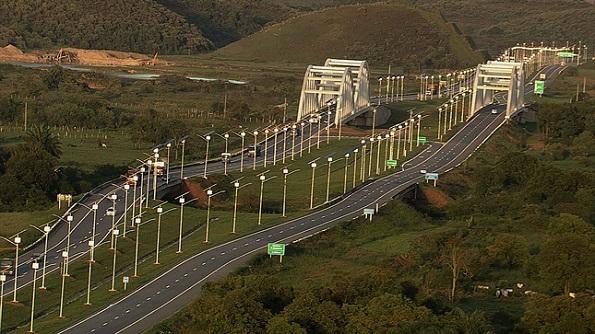 ブラジル、ソーラー街灯を4300本も高速道路に設置 その出力、なんと計3.2MW