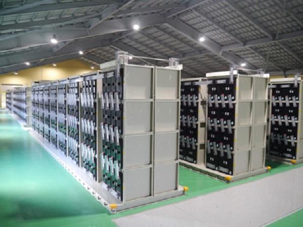 秋田県の風力発電所に鉛蓄電池 出力変動を緩和、電力を安定化して系統へ