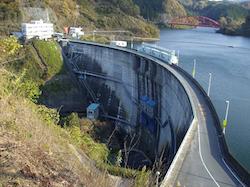 三重県の農業用小水力発電所、年間3億6600万円分のメリット