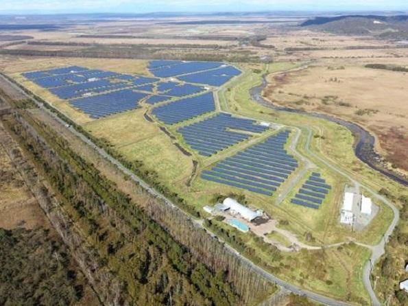 北海道・釧路のメガソーラー、出力変動抑制用の蓄電システム導入(6.75MWh)