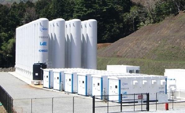 「圧縮空気蓄電池」の実証実験スタート 風力発電の安定利用に
