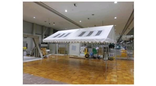 4年前開発された「太陽光発電する布」 防災用のテント屋根に使われる