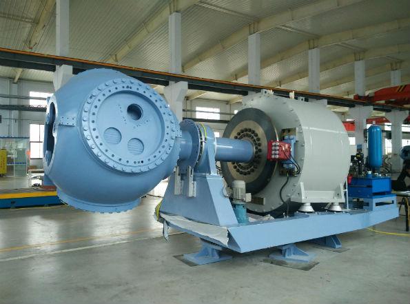 JW330に搭載されている最新鋭の永久磁石同期発電機