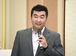 セミナーの冒頭、あいさつをする荏原商事 事業統括 エネルギーソリューション統括部 課長 上原 健太郎氏