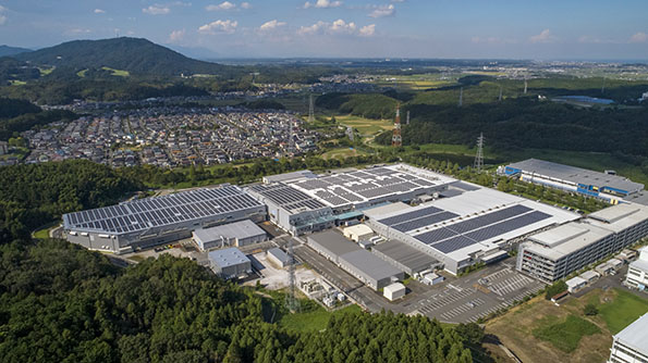 ナブテスコの津工場の屋根上に約3MWの自家消費システムを設置