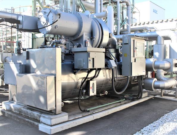 ノンフロン高効率ターボ冷凍機(RTBA型)(AGC 千葉工場)