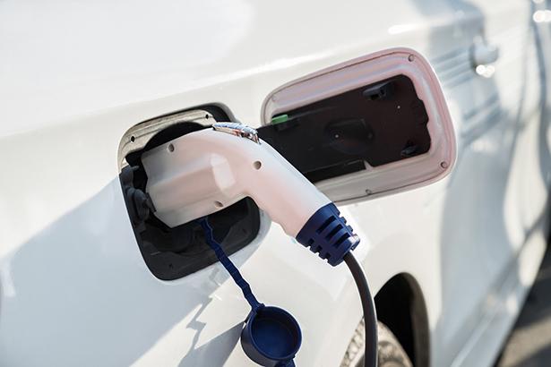 東京都、ゼロエミ車普及拡大へ「充電設備導入」に10/10の補助金