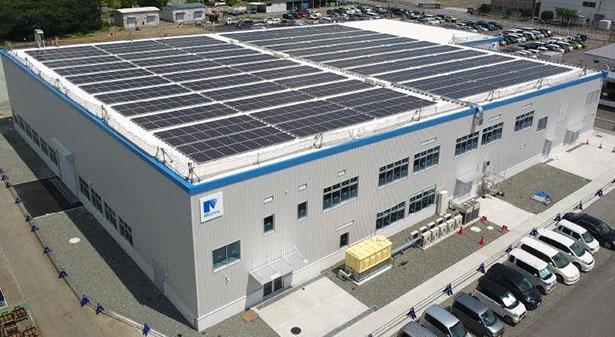 明電舎、EV用モータの新工場を本格稼働 250kWの太陽光発電設備搭載